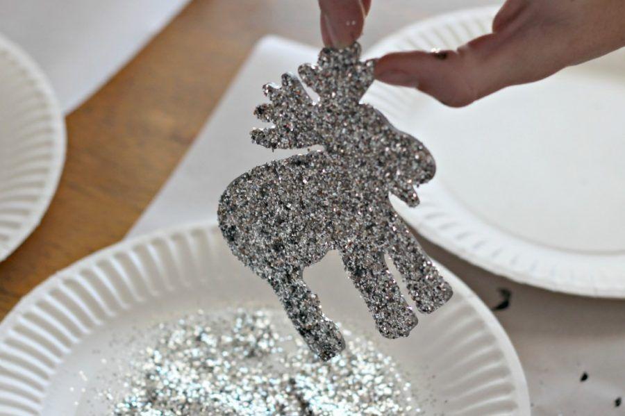 DIY-Wood-Glitter-Ornaments-.9-1024x682