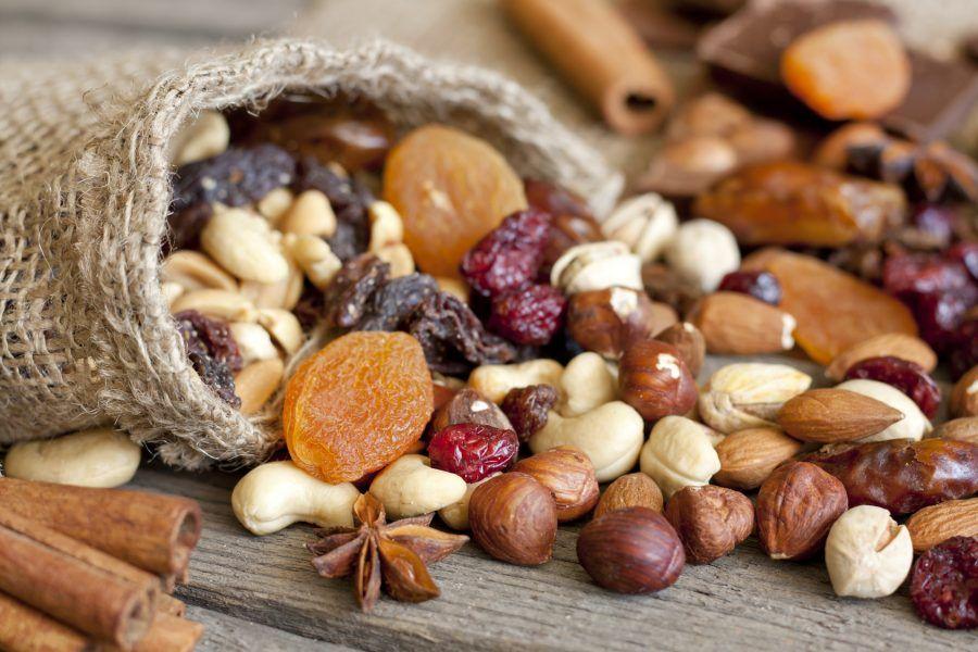 Riscoprite la frutta secca: noci, mandorle, nocciole sono perfette per un break.