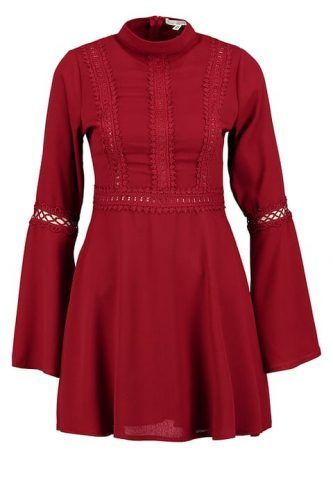 Abito burgundy Miss Guided €49
