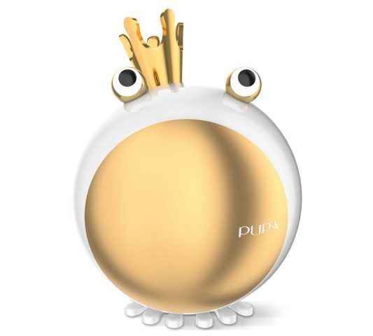 Pupa Il Principe Ranocchio con due blush in crema, 2 all over, 2 correttori, 1 terra compatta, 1 primer, 6 ombretti compatti, 2 applicatori, 3 gloss, 4 lip cream, 1 lip balm, 1 applicatore labbra. Proposto in 3 versioni colore, ognuna disponibile in 2 versioni all'interno. 27.50 euro.