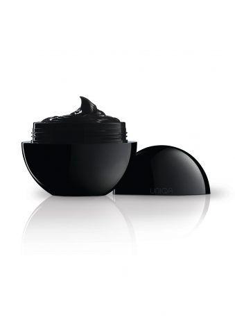 Pea Cosmetics Uniqa nera, trattamento antiaging che combatte l'effetto dei radicali liberi. 79 euro.