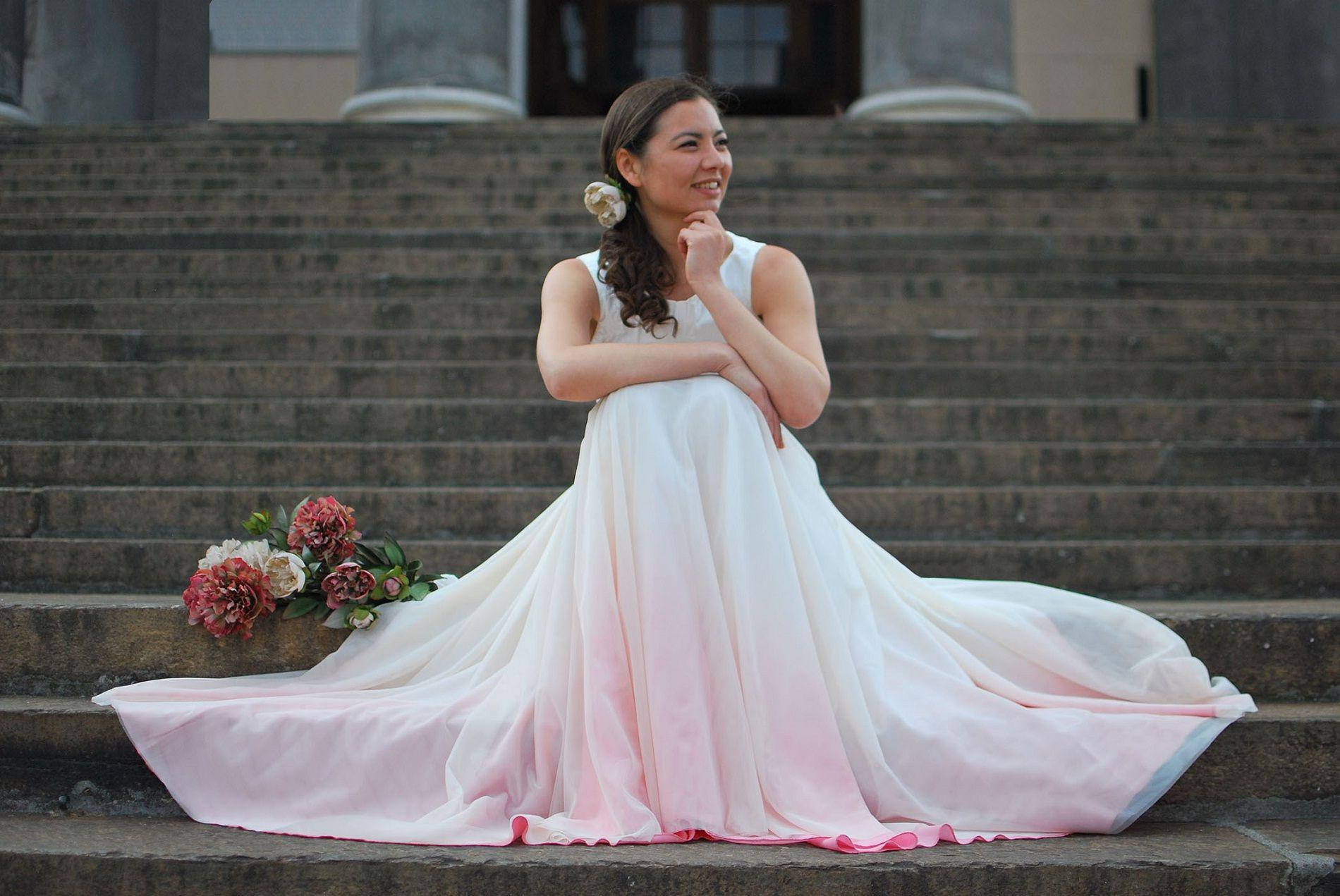 Vi innamorerete degli abiti da sposa 2017 dip-dyed