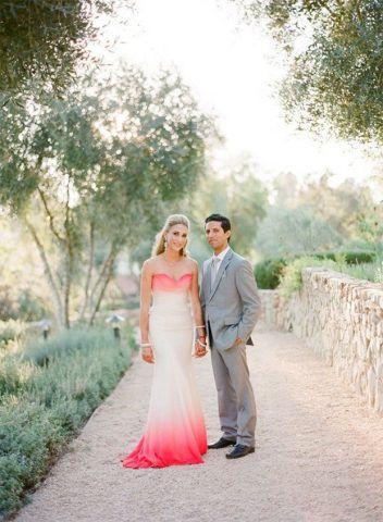 abiti da sposa 2017 dip-dyed: rosa acceso