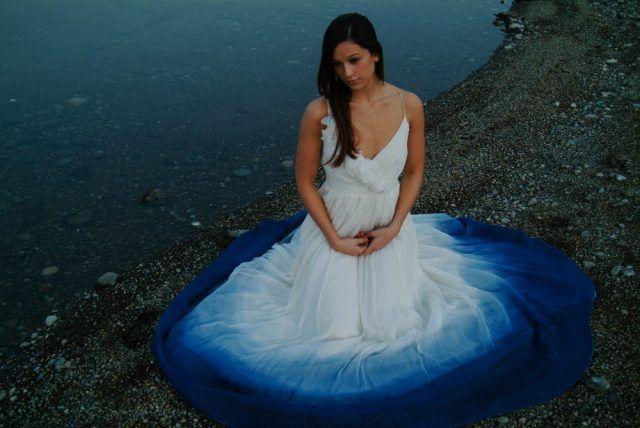 abiti da sposa 2017 dip-dyed: blu