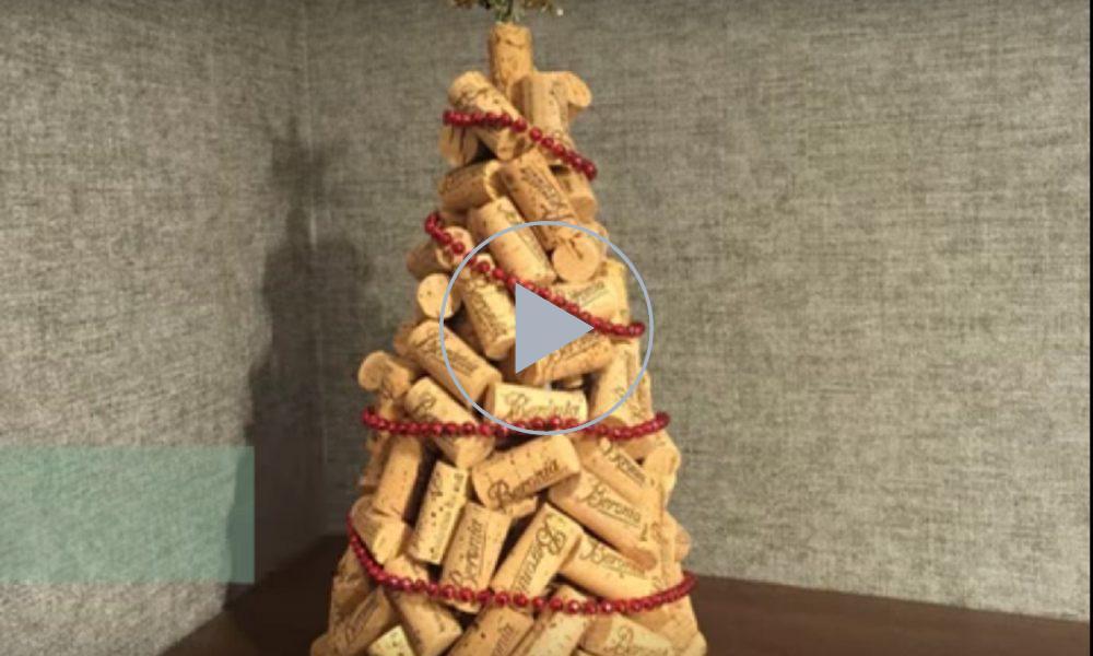 Lavoretti Di Natale Tappi Sughero.Come Creare Un Originale Albero Di Natale Con I Tappi Di Sughero
