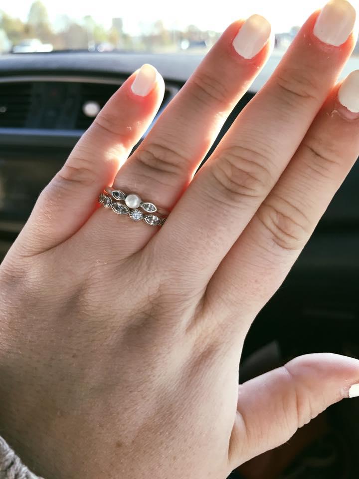 L'anello di Ariel e Quinn