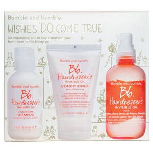 Bumble and Bumble, Cofanetto Hairdresser's Invisible Oil, per capelli morbidi e setosi: contiene shampoo, conditioner, olio base. 38.90 euro.