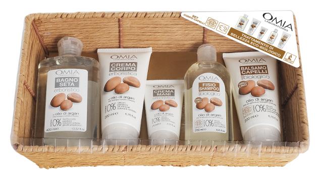 Omia, cestino corpo-capelli beauty routine con tre prodotti per la cura del corpo e due per i capelli. 20.90 euro.