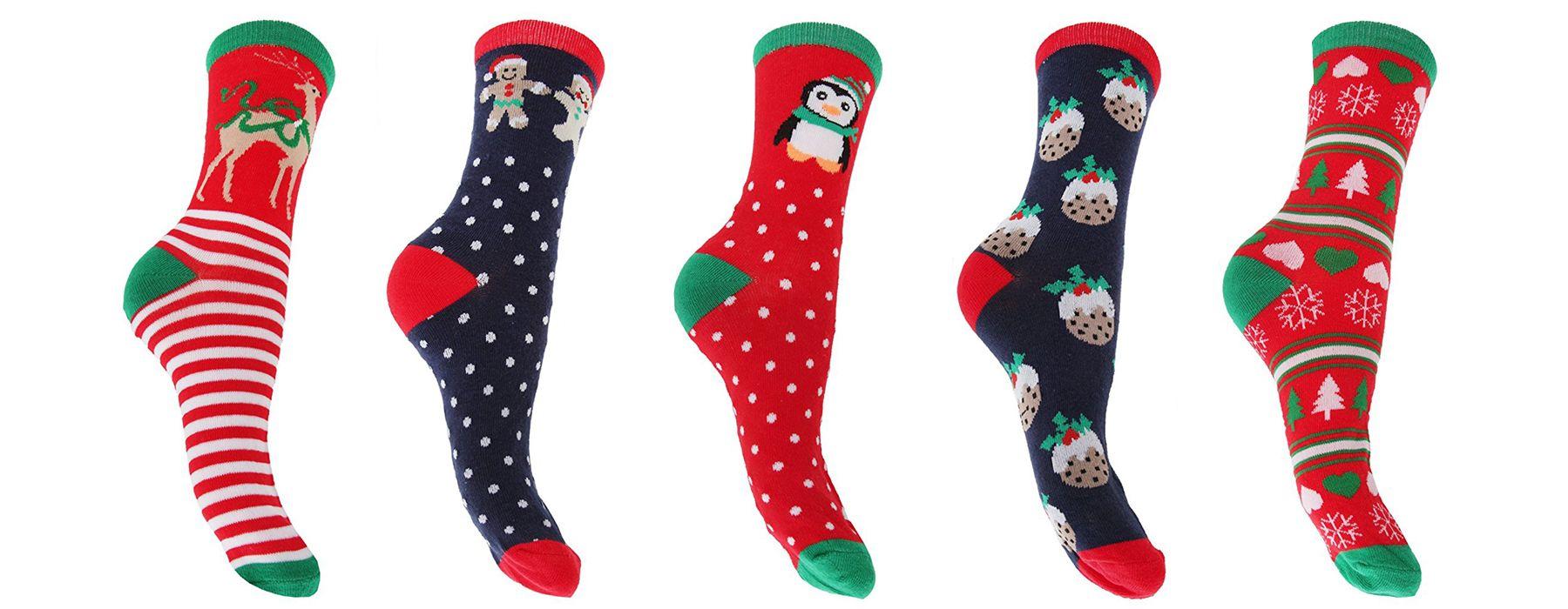 Calze e calzini natalizi: le proposte più simpatiche del momento
