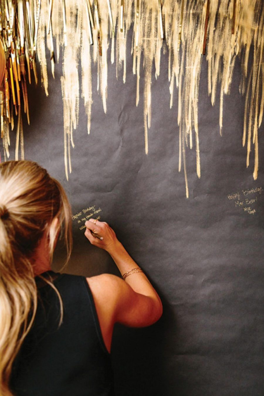 gold-pen-guestbook-wall