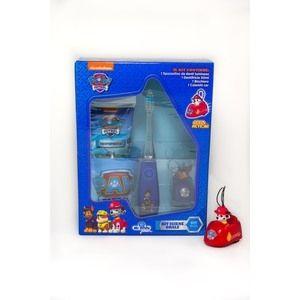 Cofanetto Oral Care Paw Patrol, con spazzolino da denti luminoso, dentifricio, bicchiere e gadget. 10,90 euro.