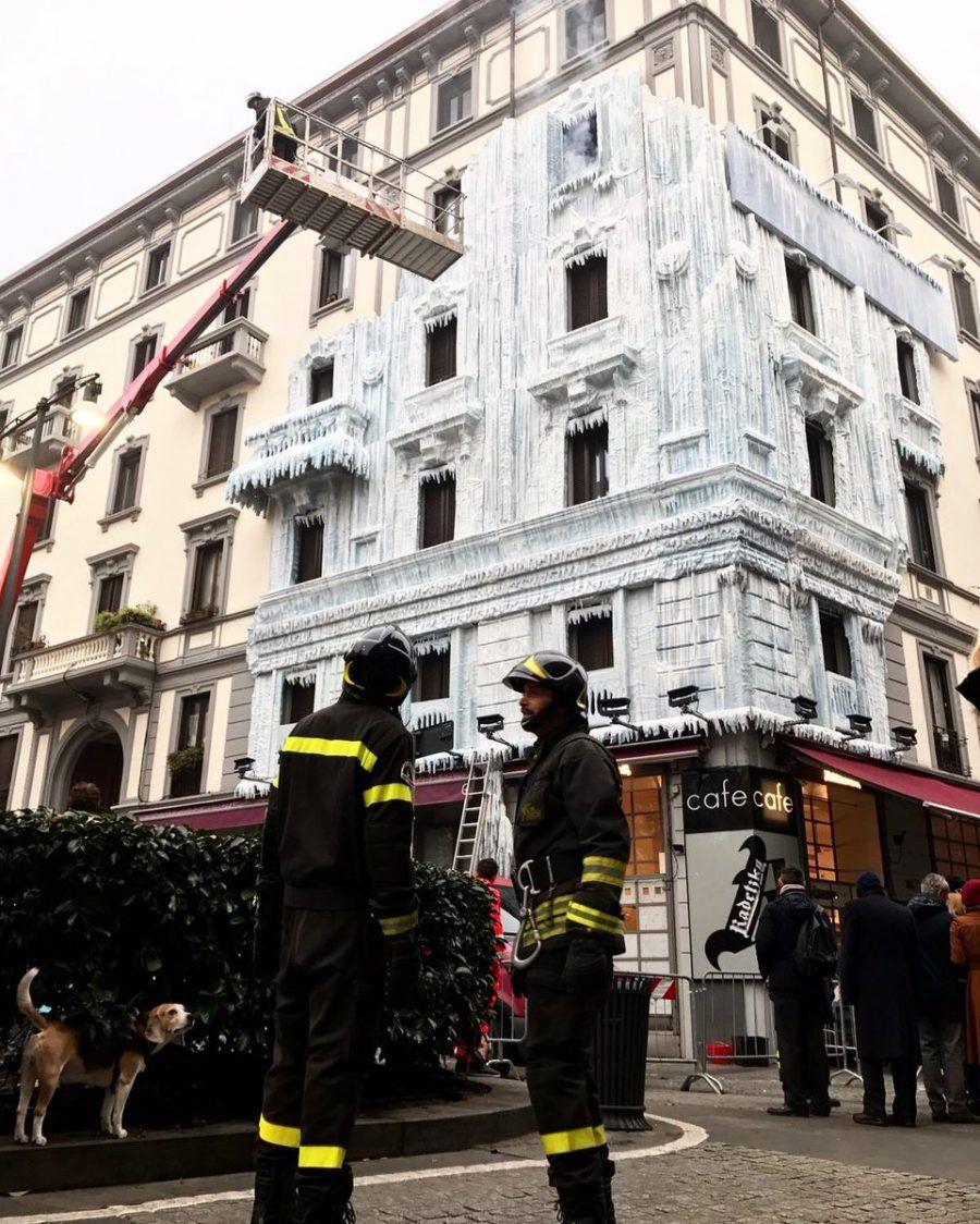 Il palazzo ghiacciato di Milano