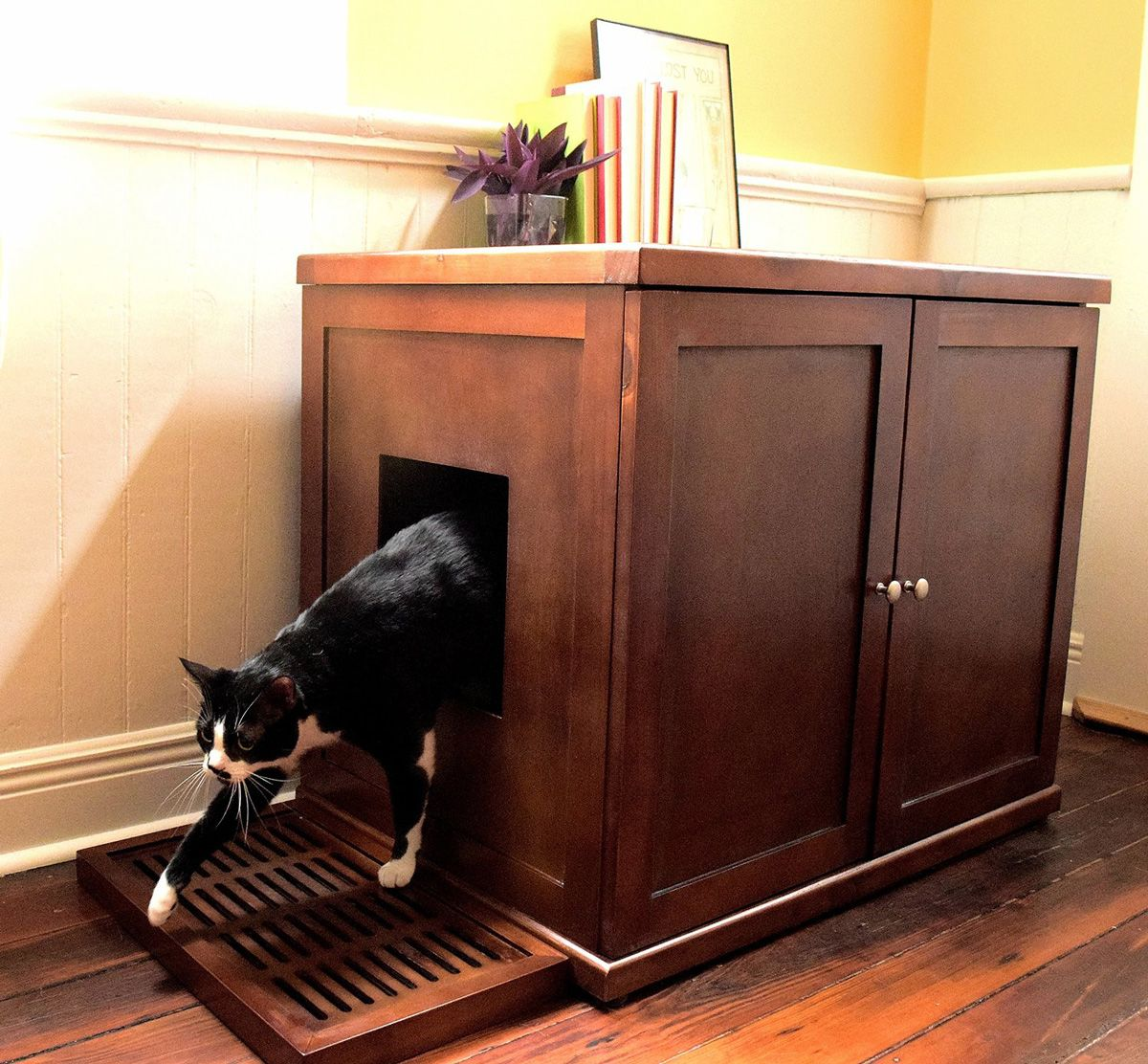 refined-feline-wooden-litter-box-cabinet-1