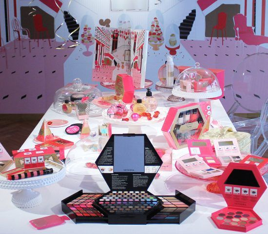 Sephora, Geometrical Palette, con ombretti, gloss, eyeliner, polveri, blush, contouring, tutorial. 34.90 euro.