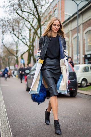 Pencil skirt e ankle boots