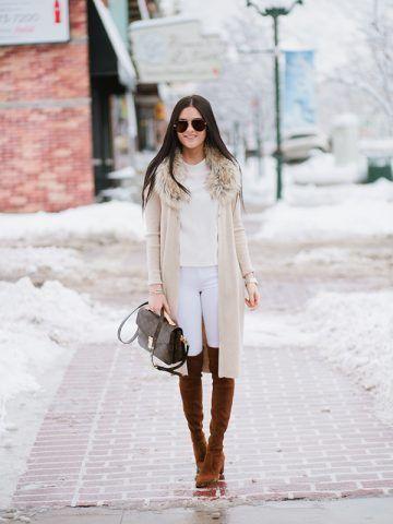 Pantaloni bianchi e stivali sopra il ginocchio - Dal blog Pink Peonies