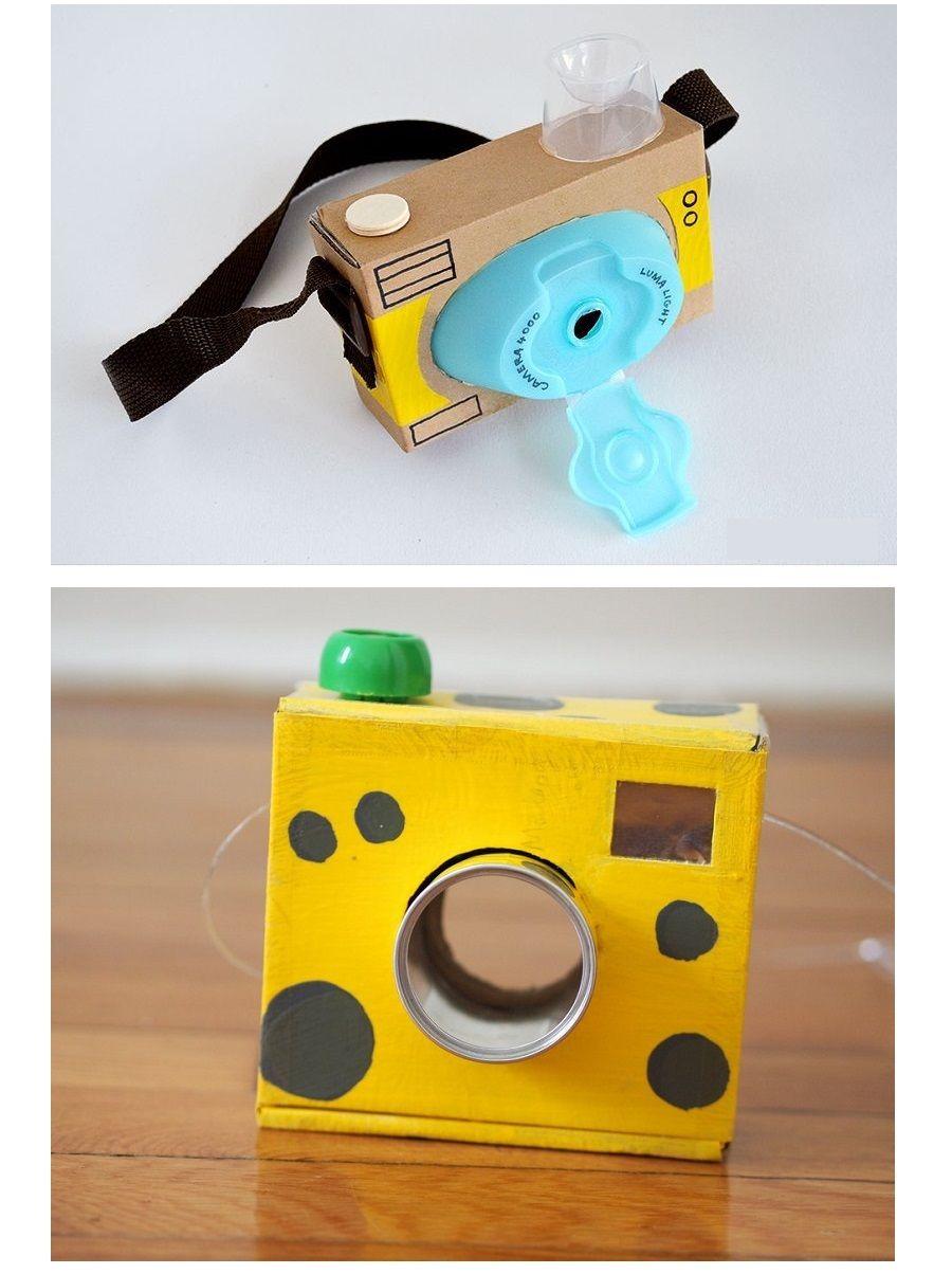 Fotocamera con prodotti da bagno