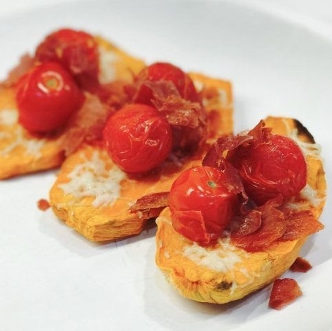 Sweet potato toast con i pomodorini