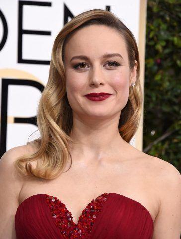 Chioma lunga e ondulata per Brie Larson