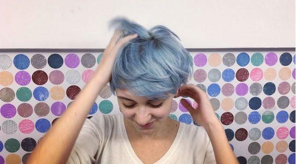 Ice Blue Hair, corti
