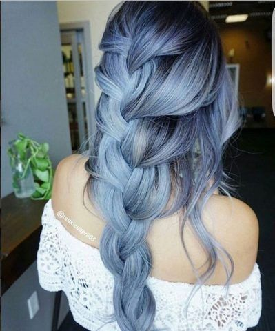 Ice Blue Hair, lunghi