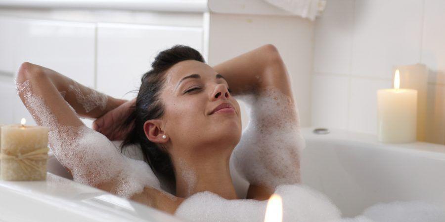 Già ci sentiamo meglio a immaginarci sole in una vasca piena di schiuma!