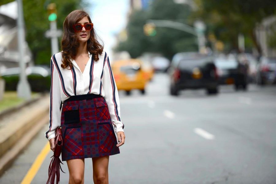 eleonoracarisi_muse_newyork_tommyhilfiger_thestreetmuse_springstyle_womenswear_skirt_-shirt_sunglasses_melaniegalea_streetstyle_fashion_photography_dsc_9090-20150702215306