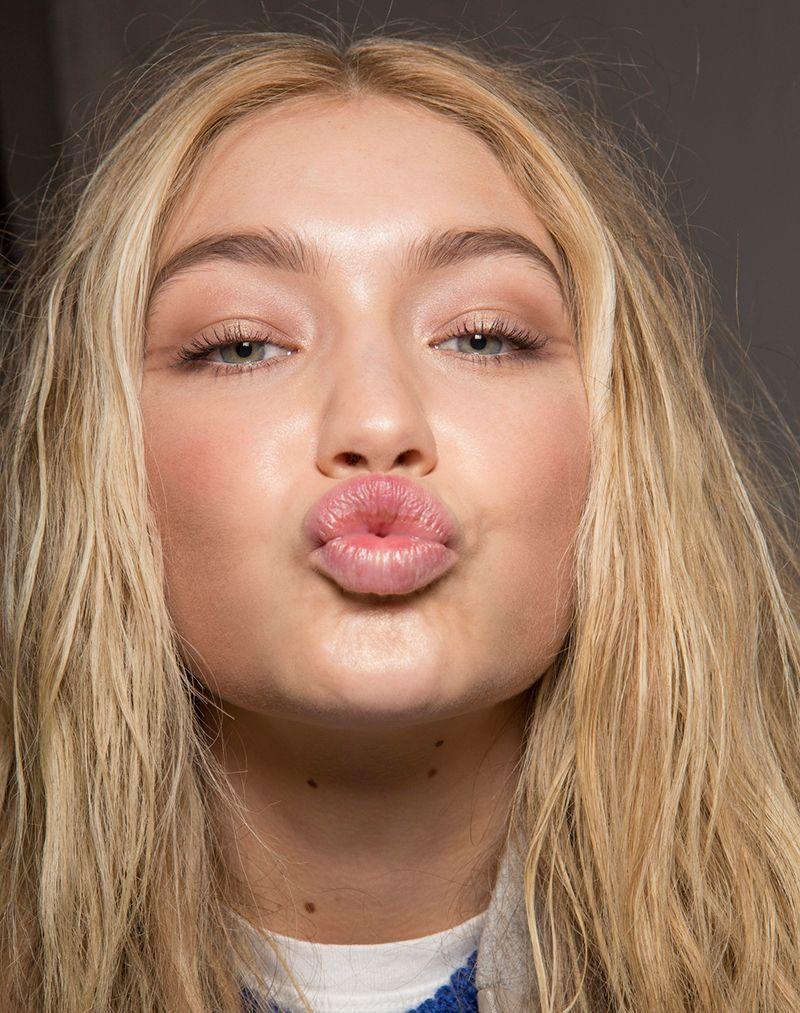 ginnastica facciale labbra