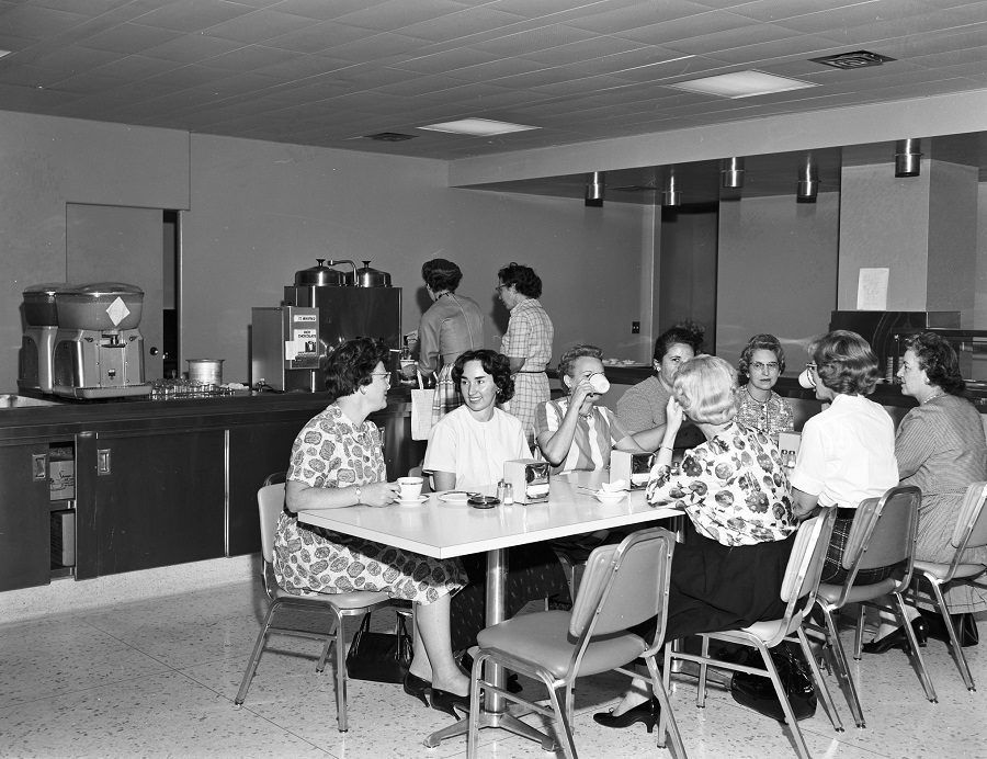 La pausa caffè, un classico del gossip aziendale