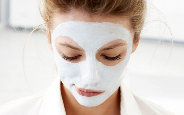 Una maschera specifica almeno una volta alla settimana è una buona regola beauty da seguire.