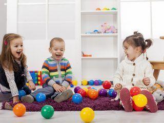 Riciclo oggetti giocattoli bambini