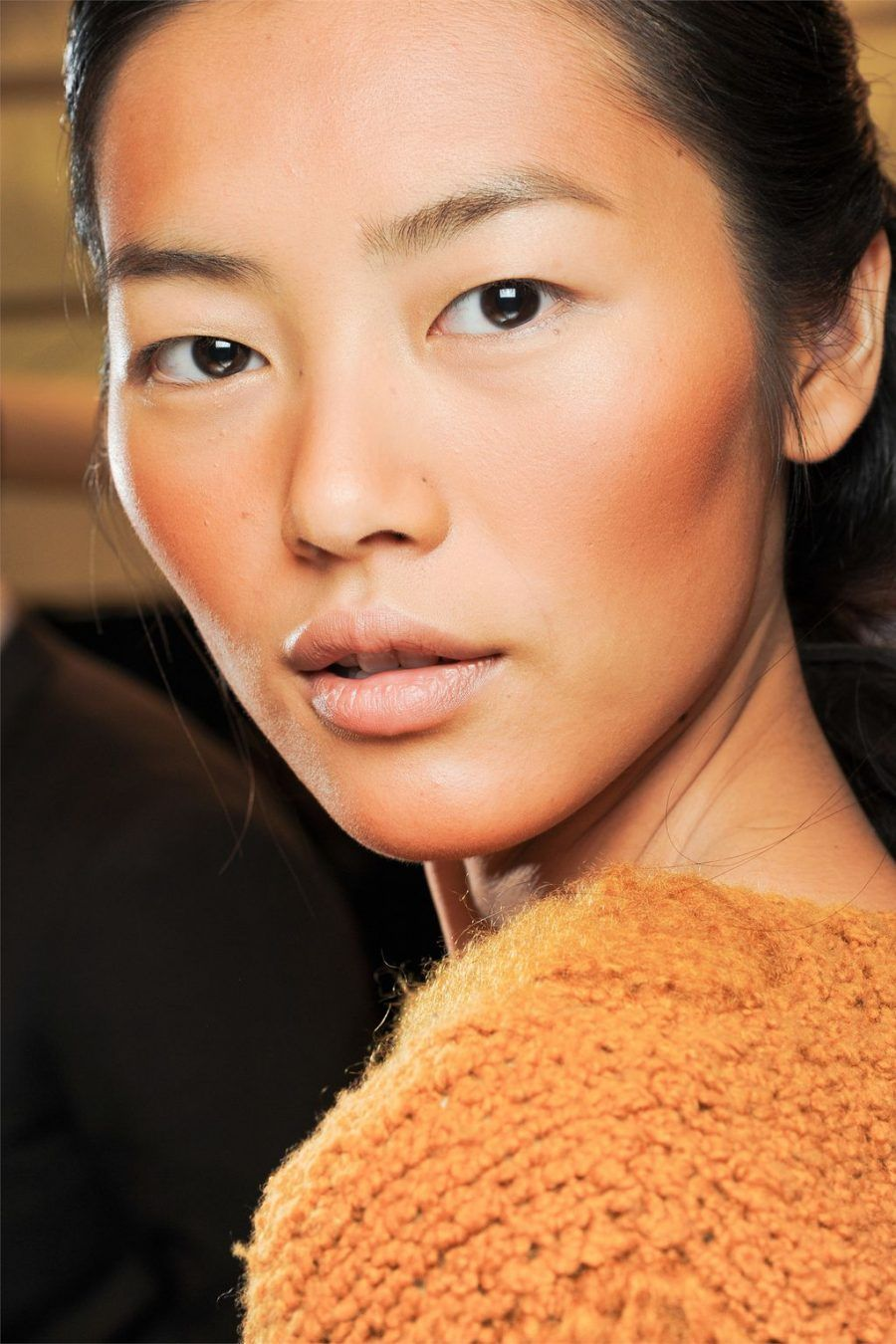 liu-wen-bronzing-beauty