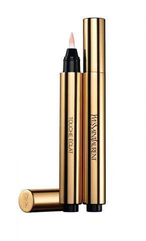 Il Touche Eclat di Yves Saint Laurent è l'illuminante in penna in grado di ravvivare il colore, esaltare i rilievi del viso e cancellare le zone d'ombra e i segni di stanchezza. €35