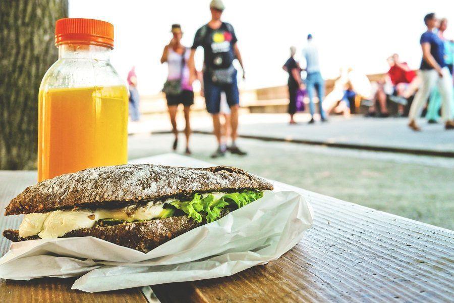 Classico panino pre allenamento, mix di proteine e carboidrati
