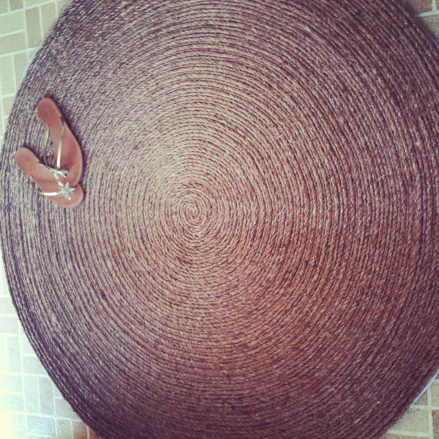 DIY: tanti tutorial per realizzare tappeti caldi, grandi e colorati ...