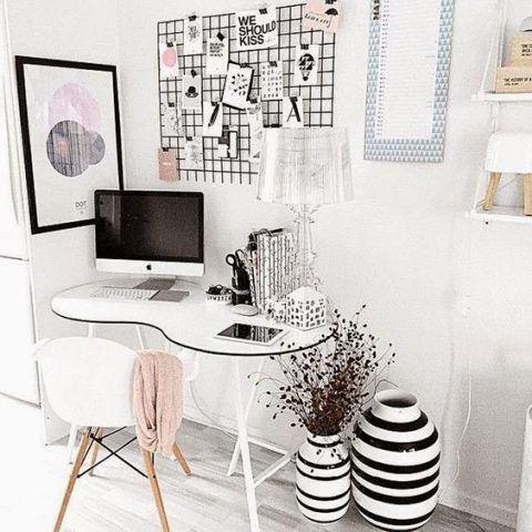 Scrivania per spazi piccoli che non rinuncia allo stile