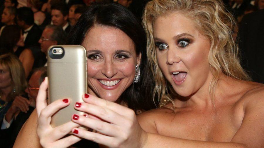 ...questo fatto checi facciamo i selfie se tu sei figa, ed io no, dimostra che poi tanto amiche non siamo...