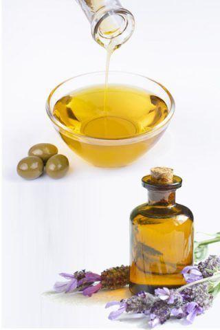 Olio d'oliva e olio essenziale di lavanda