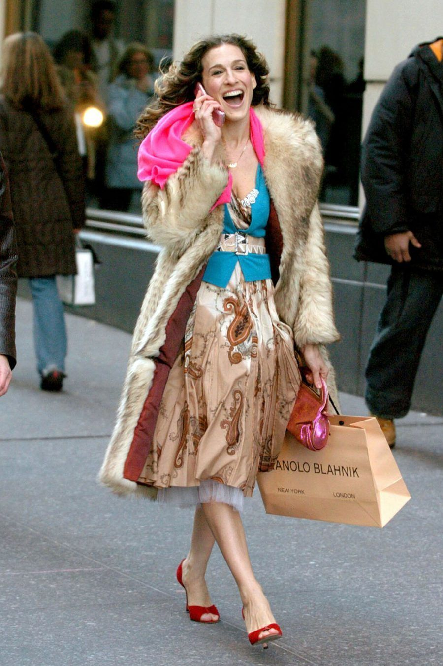 Mandatory Credit: Photo by CHARLES SYKES/REX Shutterstock (213199an) SARAH JESSICA PARKER FINAL DAY OF FILMING 'SEX AND THE CITY' TV SHOW, NEW YORK, AMERICA - 04 FEB 2004