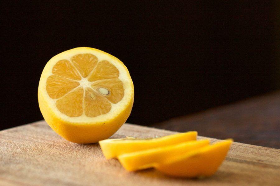 Il limone è perfetto per pulire casa