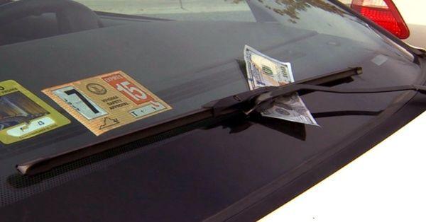 Che fortuna, abbiamo trovato una banconota!