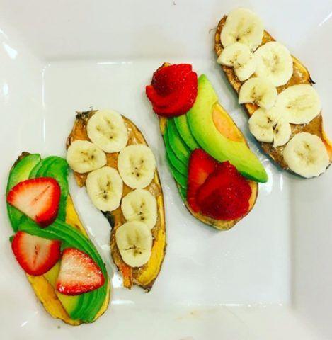 Sweet potato toast con frutta