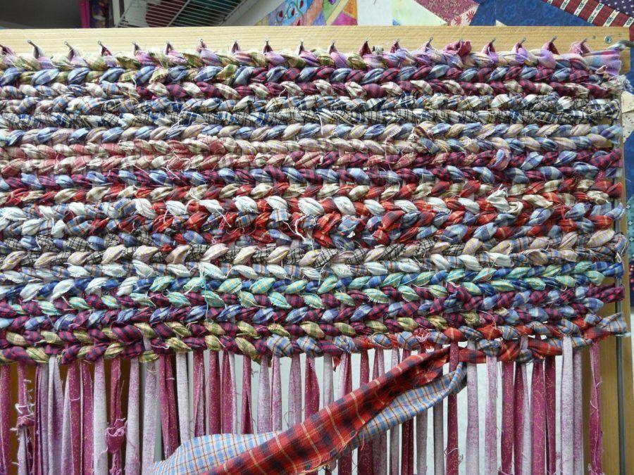 Tappeti Fai Da Te Con Fettuccia : Diy tanti tutorial per realizzare tappeti caldi grandi e