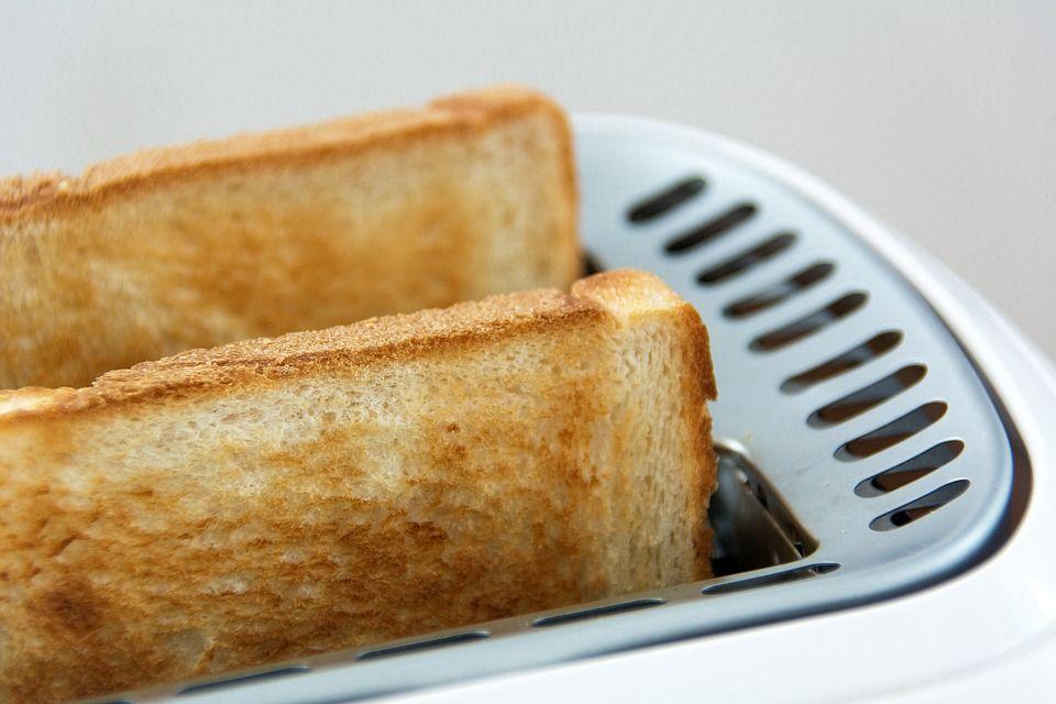 Occhio a non bruciare i toast!