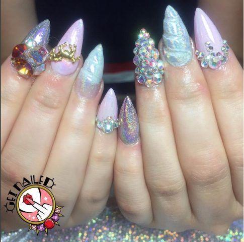 Nail art unicorno