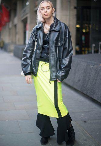 Gonna a pantaloni un trend interpretato nel modo più sbagliato partendo dai colori fluo (Clodie Worboys)