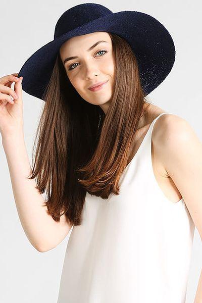 Cappello di Benetton (30 €)