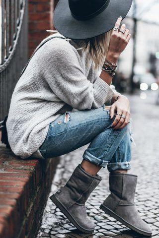 Maglione + jeans strappati
