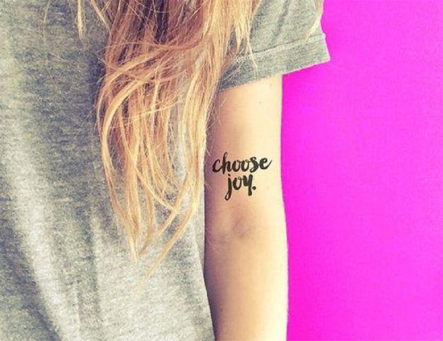 Tatuaggi removibili con il suo nome