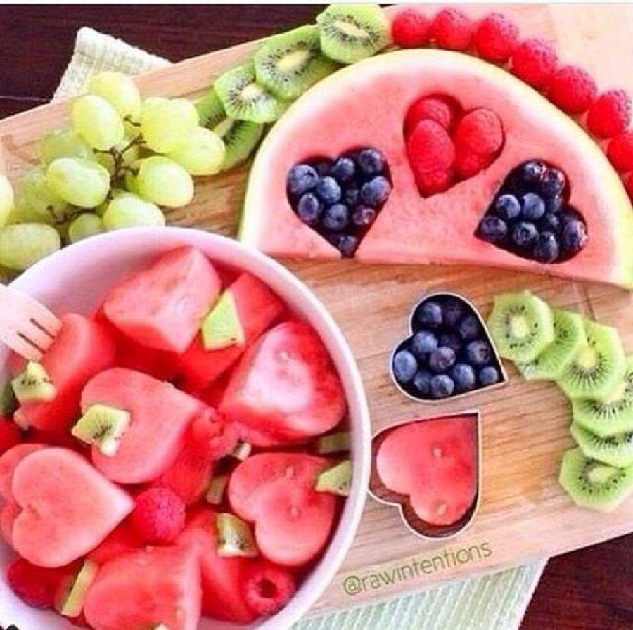 Anguria ripiena di frutta